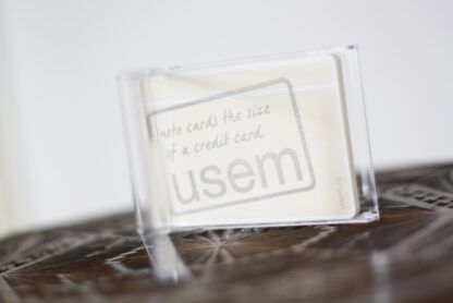 Card holder with usem note cards