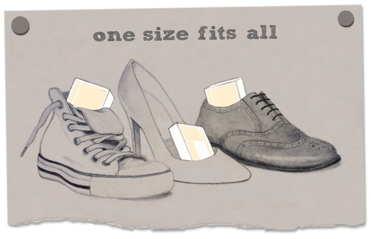 Drie verschillende schoenen met een doosje usem-kaartjes