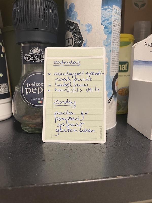 Ingrediënten op een usem-notitiekaartje