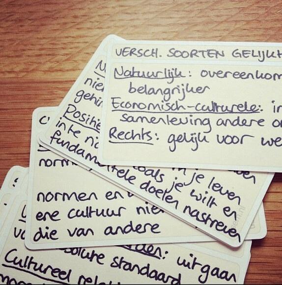 usem-kaartjes als handgeschreven zelfgemaakte studiekaartjes