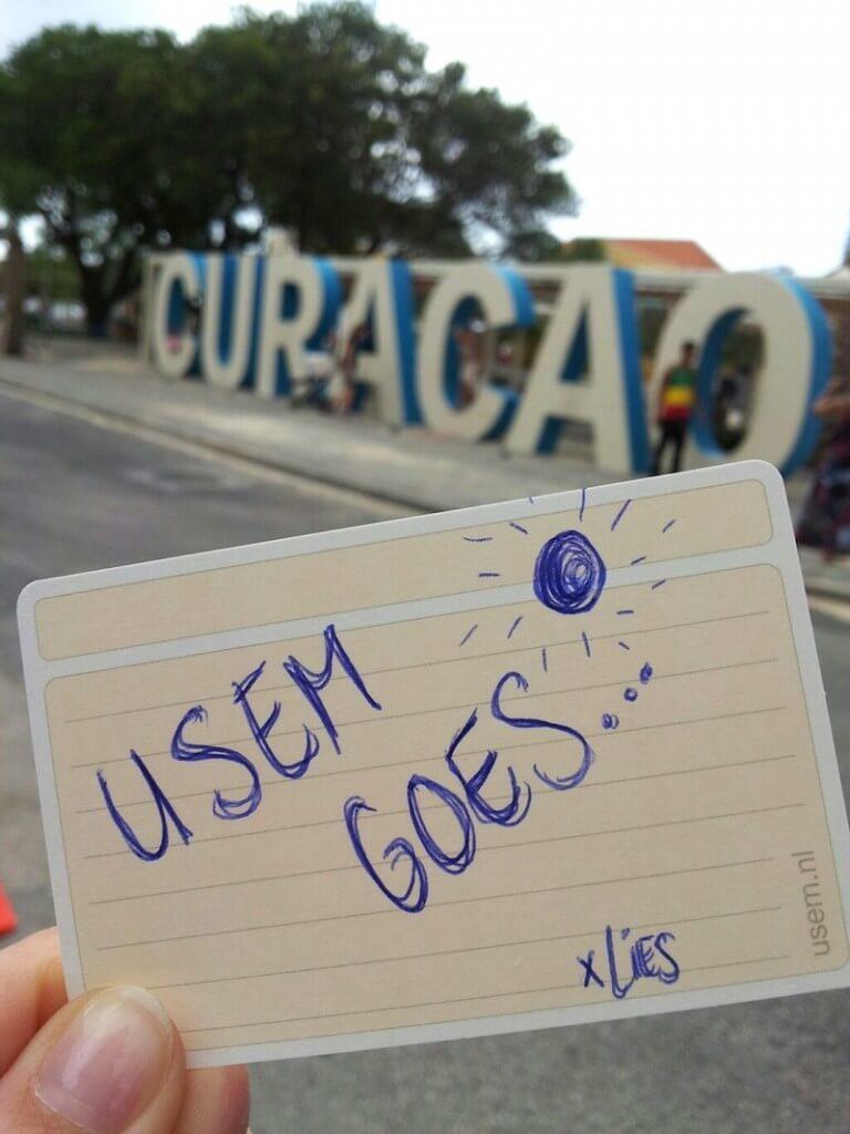 usem note cards op Curaçao