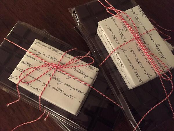 ingepakte usem-notitiekaartjes als originele cadeautjes voor papierliefhebbers