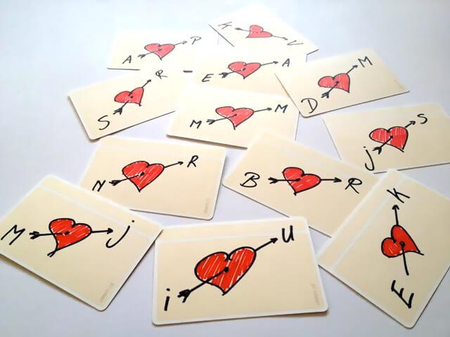 usem-notitiekaartjes als kleine zelfgemaakte valentijnskaartjes