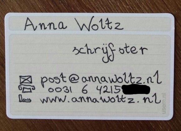 Visitekaartje van kinderboekenschrijfster Anna Woltz