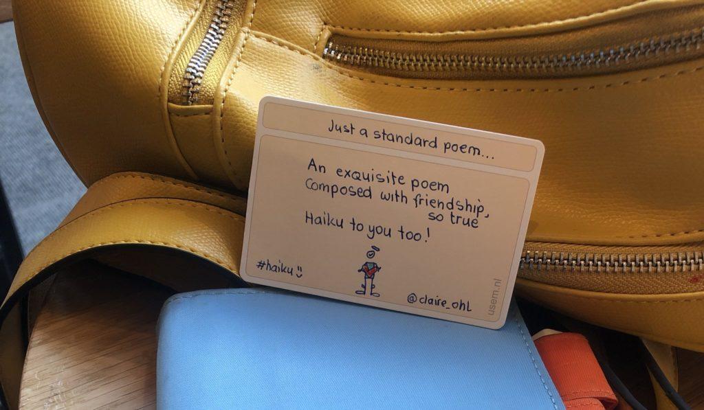Handgeschreven Haiku op een kaartje